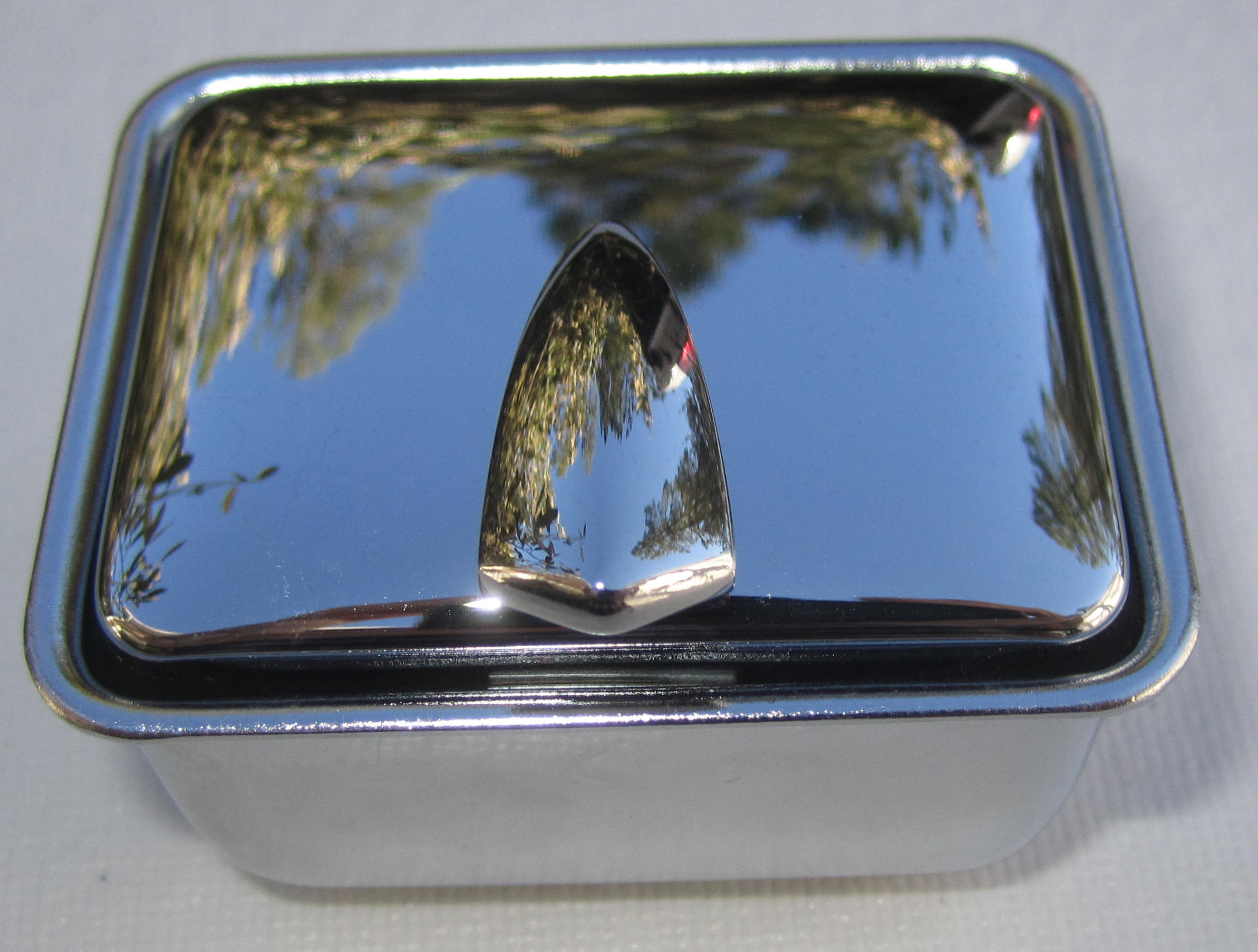 Ash Tray 1948-58 Buick Rear 1/4