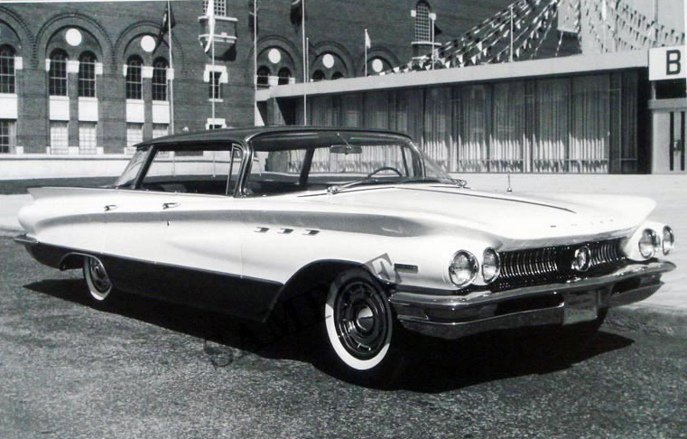 1960 Buick Invicta 4-Door Hardtop